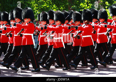 London, UK. 17th June, 2017. Coldstream Guard marching along The Mall before the Trooping of the Colour 2017. Trooping - Stock Photo