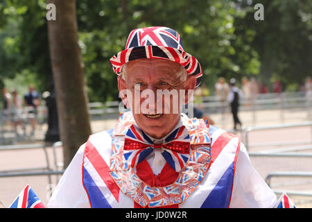 London, UK. 17th June, 2017. Tourist wearing a Union Jack outfit Credit: Chris Carnell/Alamy Live News - Stock Photo
