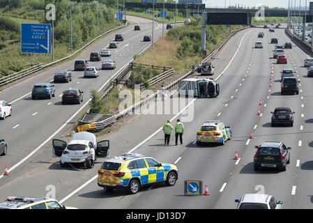 London, UK. 18th June 2017. The M25 motorway was closed between J14 and J15 (anti-clockwise) after a road traffic - Stock Photo