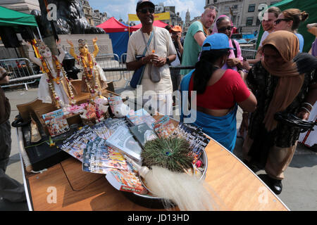 London, UK. 18th June, 2017. Rathayatra, the Rathyatra chariots reached Trafalgar Square where thousands of devotes - Stock Photo