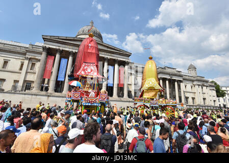 London, UK. 18th June 2017. The Hare Krishna London Rathayatra chariots festival through central London from Hyde - Stock Photo