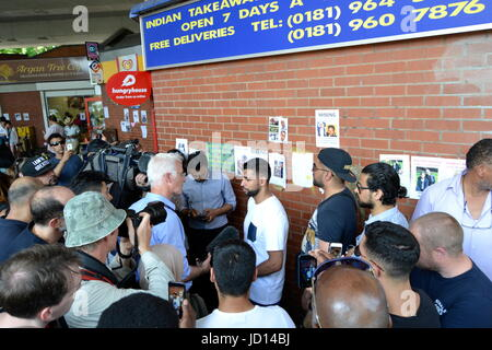 West London ,UK 17th June 2017.Boxer Amir Khan visited the Grenfell Tower victims - Stock Photo