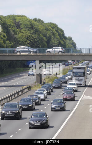 M2 Motorway, Kent.  18 June 2017.  Queues of traffic build up on the M2 motorway as people head from London to the - Stock Photo