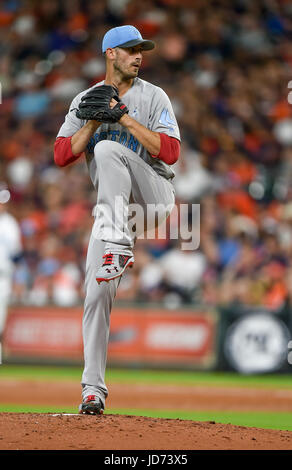 Houston, TX, USA. 17th June, 2017. Boston Red Sox starting pitcher Rick Porcello (22) winds up during a Major League - Stock Photo
