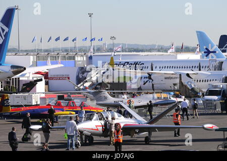 Le Bourget, France. 19th June, 2017. Aircraft on display at the 2017 Paris Air Show at Le Bourget Airport. Credit: - Stock Photo