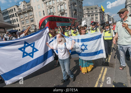 London, UK. 18th June, 2017. London, UK. 18th June 2017. Police finally get the small group of Zionists who had - Stock Photo