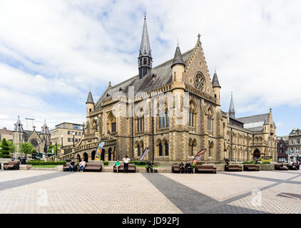 The McManus art gallery and museum in Albert Square Dundee Tayside Scotland UK - Stock Photo