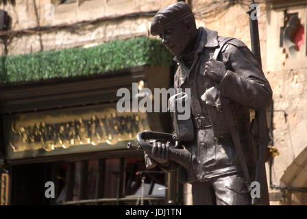 Memorial statue to the Durham Light Infantry by  Alan Beattie, Durham - Stock Photo