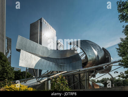 Chicago, Harris Theater by Frank Gehry  new Millenium Park - Stock Photo