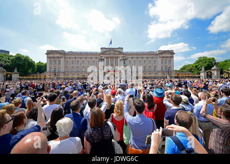 Crowds outside Buckingham Palace for Trooping the Colour 2017 in The Mall, London. Space for copy - Stock Photo