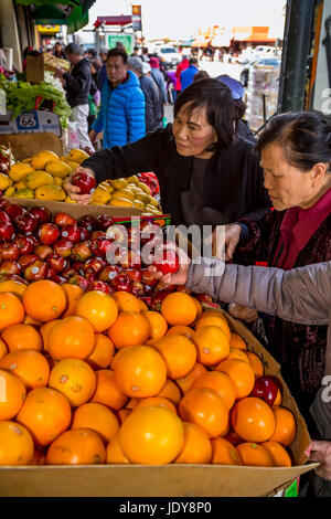 Chinese-Americans, Chinese-American people, shoppers, shopping, fruit and vegetable market, Stockton Street, Chinatown, - Stock Photo