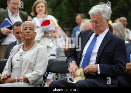 London, UK. 22nd Jun, 2017. Secretary of State for Defence Sir Michael Fallon and Baroness Howells of St Davids - Stock Photo