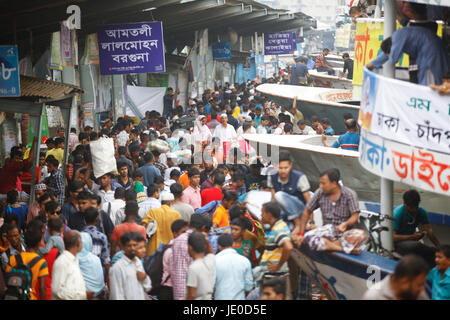 Dhaka, Bangladesh. 22nd Jun, 2017. People attend launch for the upcoming religious festival Eid ul fitr at Sadarghat - Stock Photo