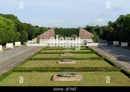 Berlin. Germany. Soviet War Memorial in Treptower Park, commemorates Soviet soldiers who fell in the Battle of Berlin, - Stock Photo