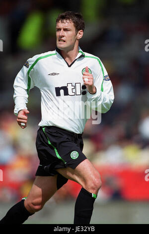 CHRIS SUTTON GLASGOW CELTIC FC FIRHILL STADIUM GLASGOW SCOTLAND 24 August 2002 - Stock Photo