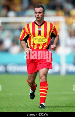 ALEX BURNS PARTICK THISTLE FC FIRHILL STADIUM GLASGOW SCOTLAND 24 August 2002 - Stock Photo