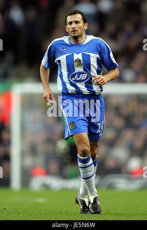 JOSIP SKOKO WIGAN ATHLETIC FC ANFIELD LIVERPOOL ENGLAND 03 December 2005 - Stock Photo