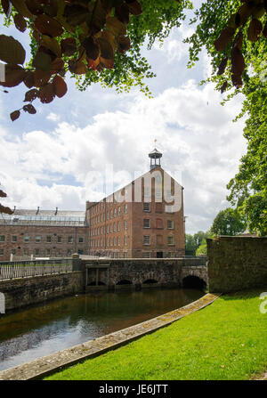 Stanley Mills, Perthshire, Scotland. Historic water powered cotton mill on the banks of the River Tay. - Stock Photo