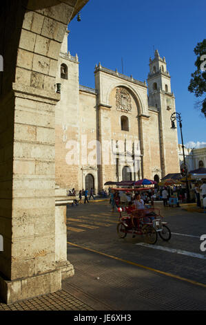 Mexico, Yucatan, Merida, capital, cathedral, space of the independence, - Stock Photo
