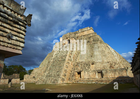 Mexico, Yucatan, Uxmal, ruin site, Maya's culture, UNESCO world heritage, pyramid of the magician, - Stock Photo