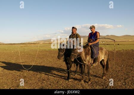 Mongolia, Central Asia, Arkhangai province, nomad, bleed, men with Urga, - Stock Photo