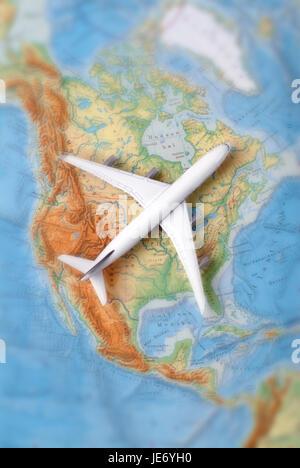 airplane on a map of north america Flugzeug auf einer Karte ...