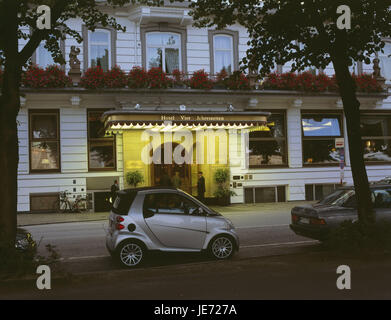 Germany, Hamburg, the Inner Alster, Faimont hotel Four seasons, input, doorkeeper, guests, evening, North Germany, - Stock Photo