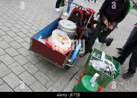 Berlin, Germany, April 8th, 2015: Rally on International Roma Day at Brandenburg Gate. - Stock Photo