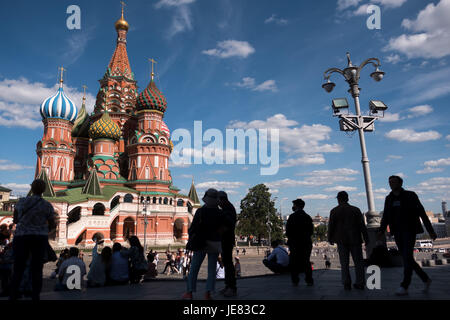 Saint Basil's Cathedral under a blue sky in Moscow, Russia, 20 June 2017. Photo: Marius Becker/dpa - Stock Photo
