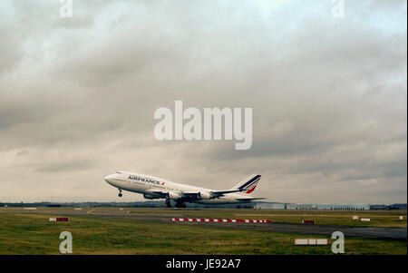 PARIS ROISSY FRANCE - AIR FRANCE 747 AT TAKE OFF IN ROISSY CHARLES DE GAULLE © Frédéric BEAUMONT - Stock Photo