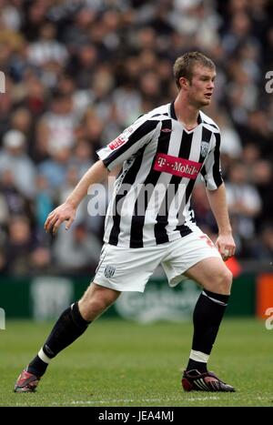 CHRIS BRUNT WEST BROMWICH ALBION FC THE HAWTHORNS WEST BROMWICH GREAT BRITAIN 25 November 2007 - Stock Photo