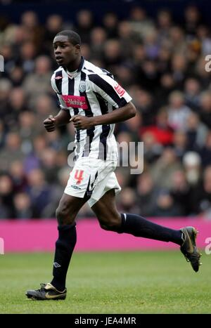 LEON BARNETT WEST BROMWICH ALBION FC THE HAWTHORNS WEST BROMWICH GREAT BRITAIN 25 November 2007 - Stock Photo