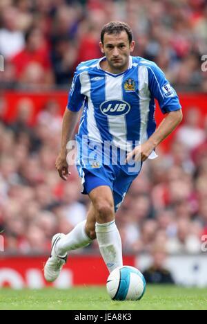 JOSIP SKOKO WIGAN ATHLETIC FC OLD TRAFFORD MANCHESTER ENGLAND 06 October 2007 - Stock Photo