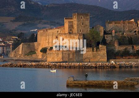 Europe, France, Collioure, view at the château royal, Europe, France, Languedoc-Roussillon, Collioure, Département - Stock Photo