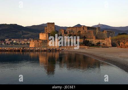 Europe, France, Collioure, château royal, Europe, France, Languedoc-Roussillon, Collioure, Département of Pyrénées - Stock Photo