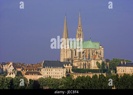 France, Chartres, town view, cathedral Notre lady, church, dreischiffig, structure, architecture, historic architectural - Stock Photo