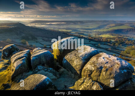 A Cold Winter Morning On Curbar Edge In The Peak District - Stock Photo