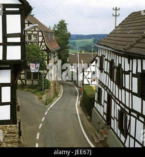 Germany, North Rhine-Westphalia, town shining mountain, half-timbered houses, street, Rhine victory circle, district, - Stock Photo