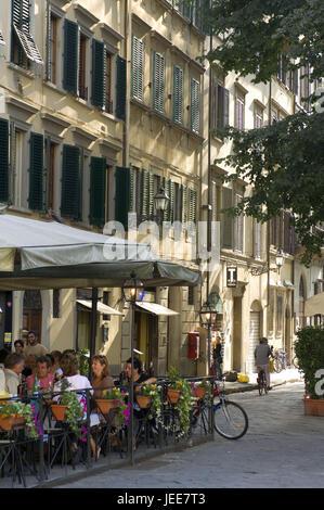Italy, Tuscany, Florence, Piazza Santo Spirito, bar, outside,