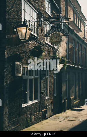 Royal Oak 16th Century Public House, in The Shambles, Chesterfield, Derbyshire. - Stock Photo