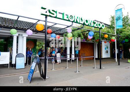 Entrance To London Zoo Regents Park London UK - Stock Photo