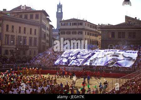 Florence, Italy. 24th June, 2017. Spectators watch the historical parade ahead of the final match of the Calcio - Stock Photo