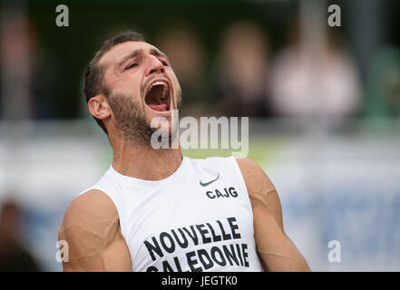 Ratingen, Germany. 25th June, 2017. Florian Geffrouais of France screams at the javelin throwing of the decathlon - Stock Photo