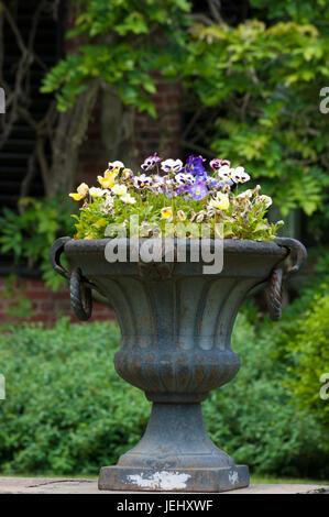 Formal flower garden gardens urn ornamental planter Altamont gardens ...
