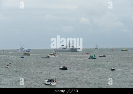 Den Helder, Netherlands. 25th Jun, 2017. Sail Den Helder - Marinedagen 2017 - view of boats taking part in the event - Stock Photo