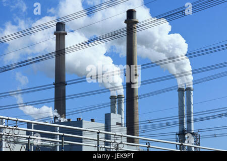 EON power plant in Rotterdam with two coal-fired units of 550 MW operating according conventional steam cycle with single reheating and condensation.