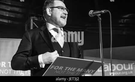 Barry Gardiner From Labour Front bench speaks at Rally - Stock Photo