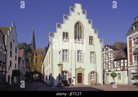 Germany, North Rhine-Westphalia, Brakel, Old Town, in the market, city hall, Teutoburger wood, Weser mountainous - Stock Photo