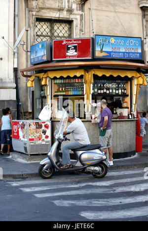 Italy, Sicily, Catania, Old Town, centre, kiosk, customer, Southern Europe, bar, sales, drinks, spirits, coffee, - Stock Photo