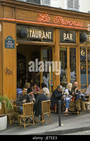 France, Paris, Saint-Germain of the Pres, cafe 'Le Progres', guests, no model release, - Stock Photo
